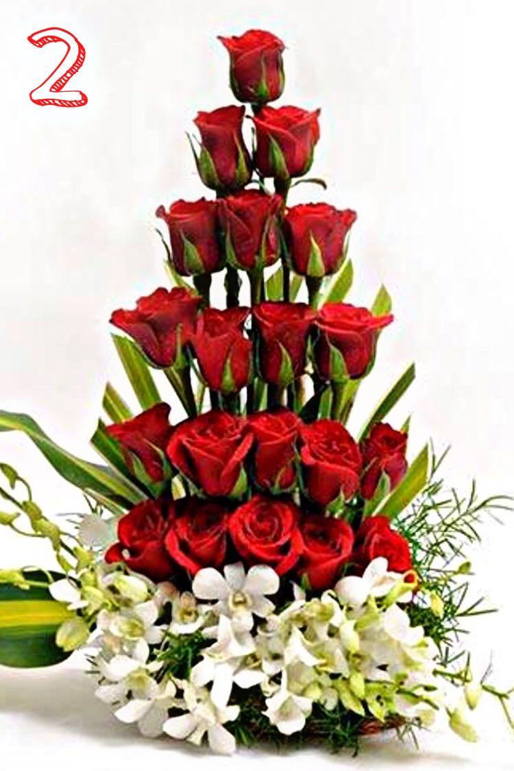 Arreglo Floral De Orquideas Y Rosas Orquideas En Marzo Y Abril Dragón En Otras Epocas